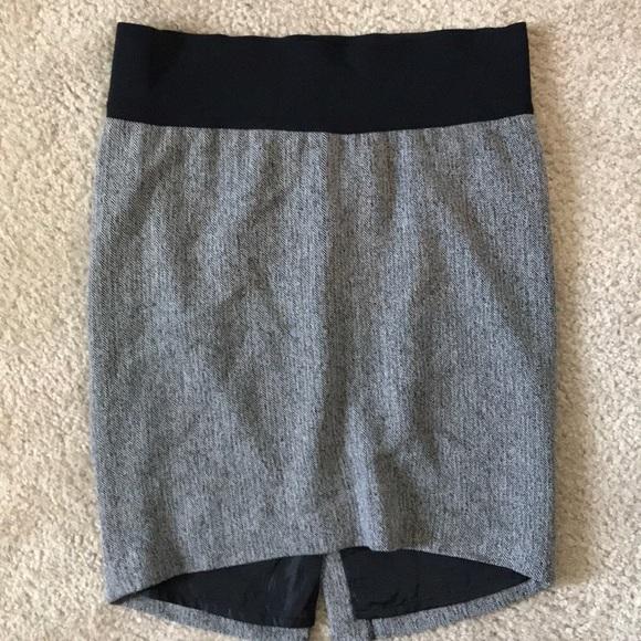 Liz Lange for Target Dresses & Skirts - Liz Lange Maternity Herringbone Skirt ☀️☀️